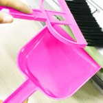 Mini Desktop Car Keyboard Sweep Cleaning Brush Small Broom Dustpan Set(Magenta)