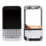 iPartsBuy for BlackBerry Q5 LCD Screen + Touch Screen Digitizer Assembly with Frame(White)